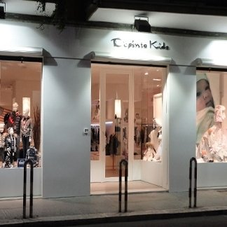 vetrine negozi abbigliamento