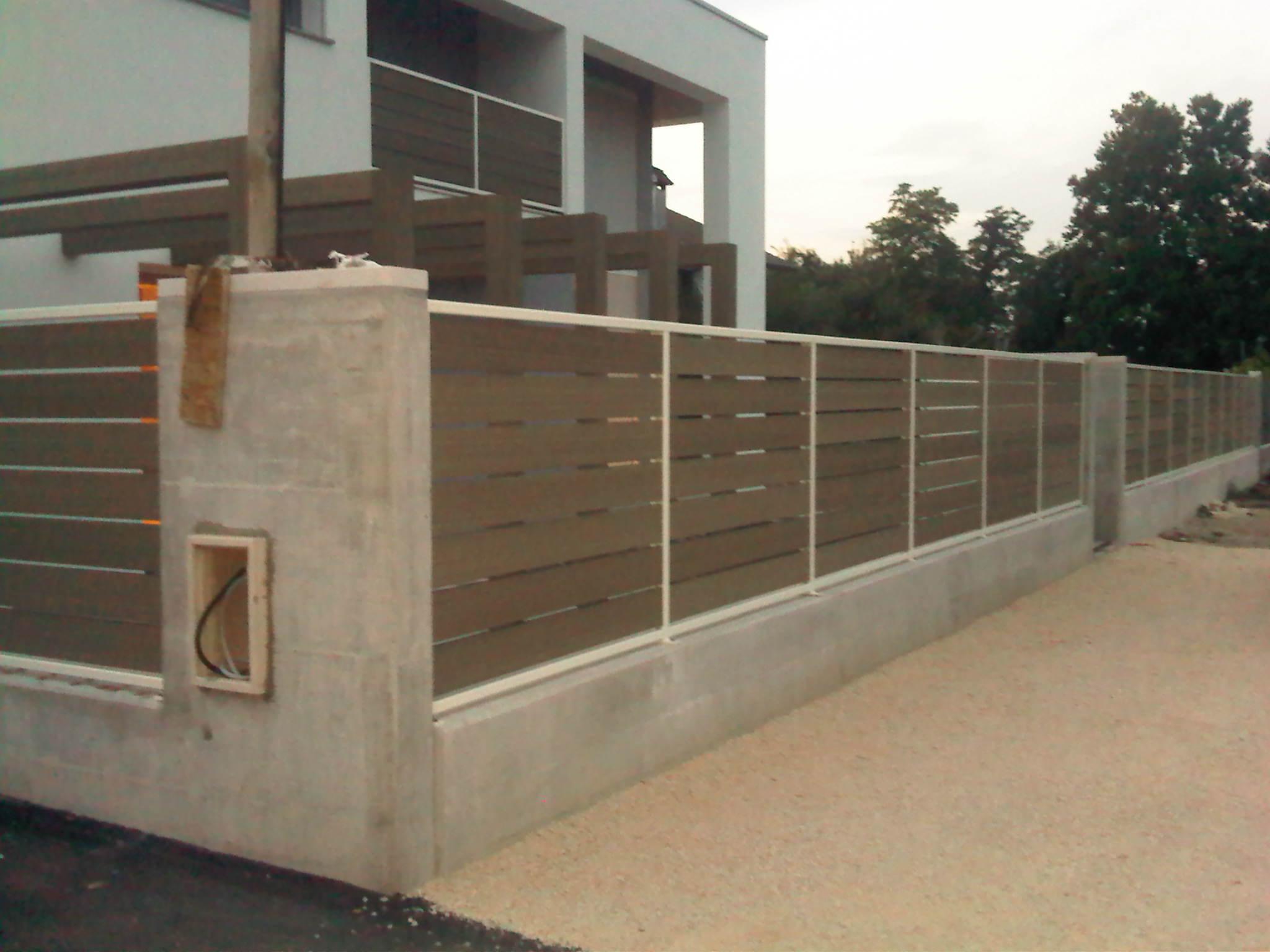 ringhiera muro esterno in legno