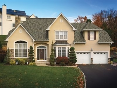 Front view of home with Timberline American Harvest shingles, installed by King Quality Construction
