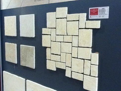 pannello espositivo di pavimentazione in pietra