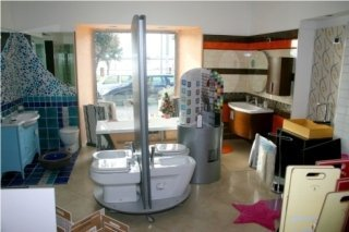 interno showroom e arredo bagno
