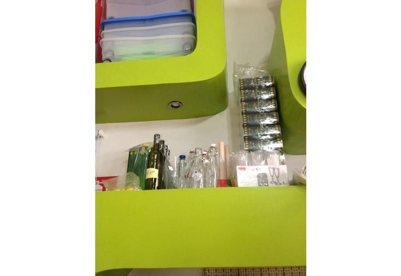 Bottiglie in vetro e plastica