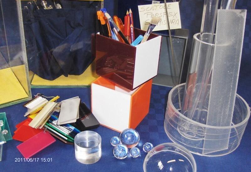 Portachiavi e portaoggetti in plexiglass