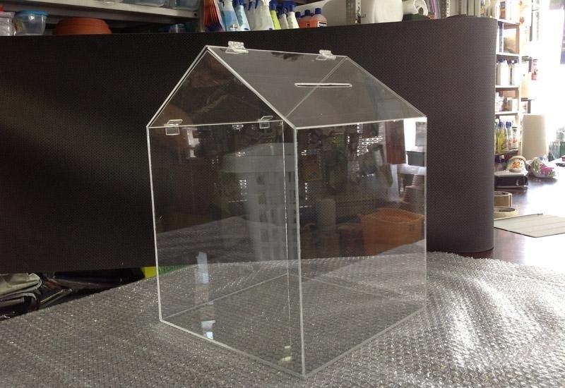 Teche in plexiglass su misura