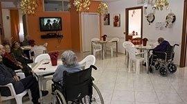 assistenza ad anziani