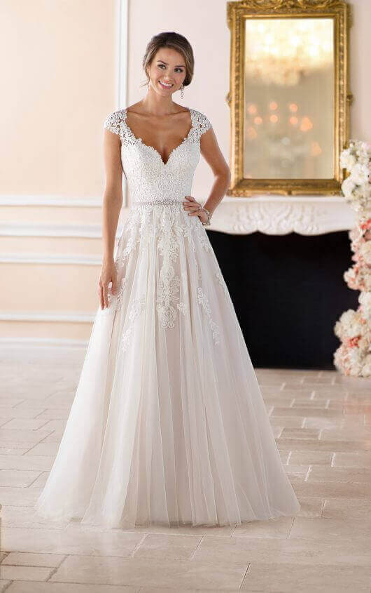 a5f8c685658f Romantic Lace Wedding Dress With Cameo Back front view