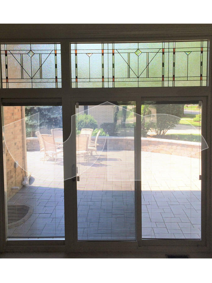 Oak Brook 3 panel sliding patio door with blinds and transom with stained glass