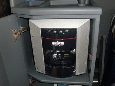 Macchina per il caffè in un EVOBUS MERCEDES TURISMO RHD 15 DA 54 POSTI