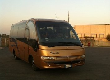 Bus MAGO 2 DA 30 POSTI