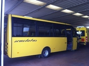 Uno scuolabus da 49 posti