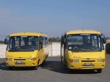 Due scuolabus da 49 posti