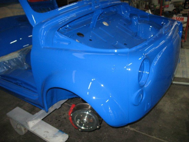 carrozzeria azzurra lucida