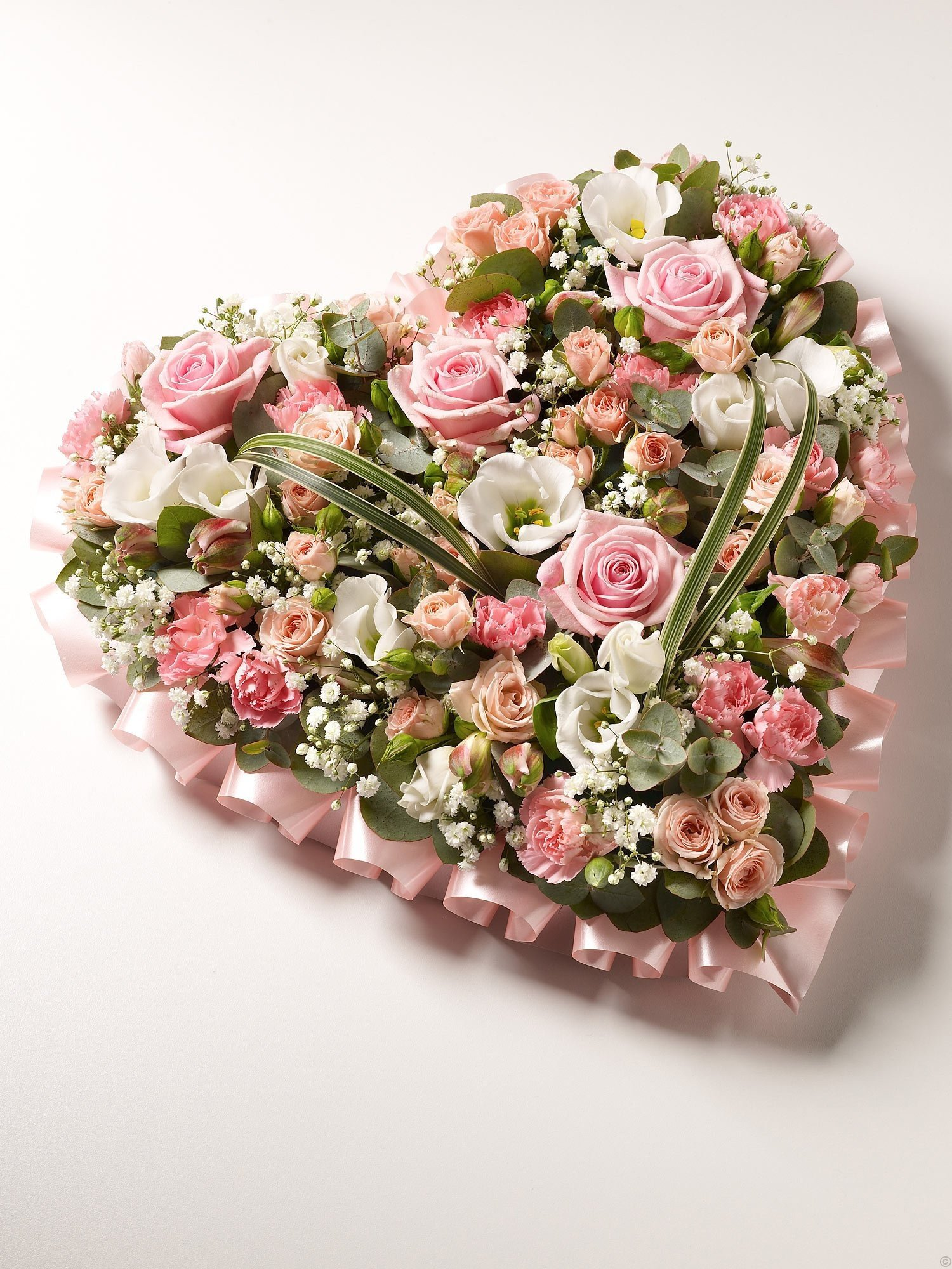 Floral tributes for funerals in taunton and somerset funeral wreath heart izmirmasajfo