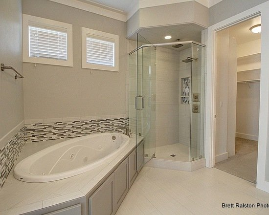 Bathroom countertop remodeling northwest ar quartz for Bathroom renovations brighton