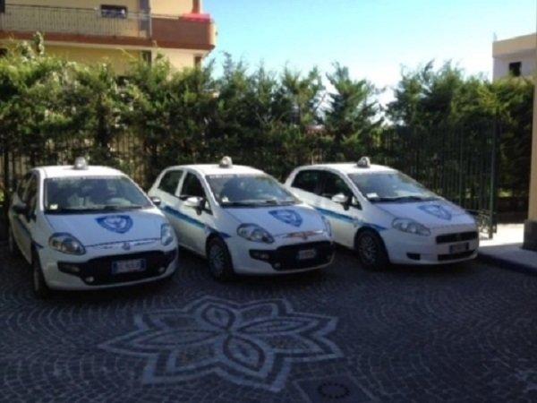 Tre auto di sorveglianza