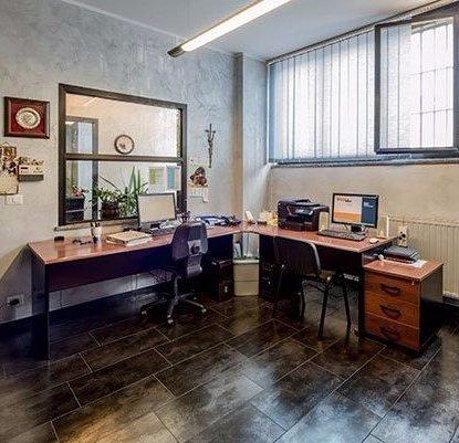 interno degli uffici di M.F.