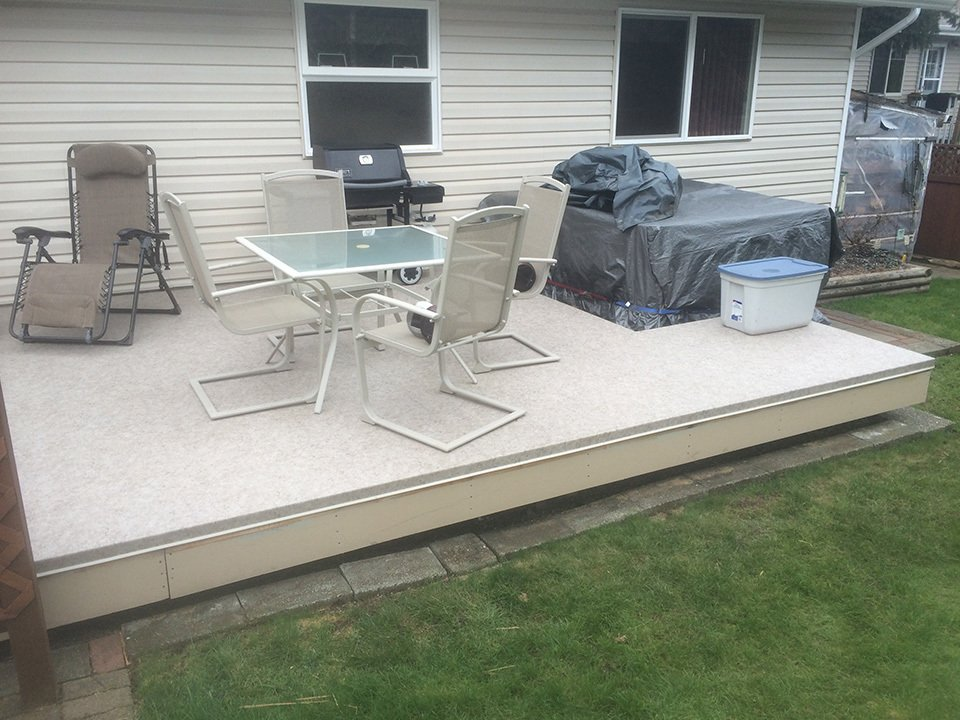 Decking installed by the team of professionals at SunRay Aluminum Railings