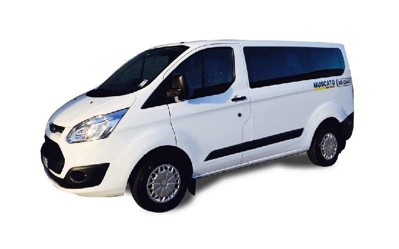 Minibus Transit Combi