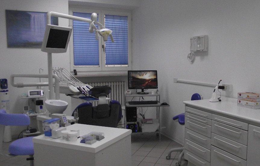 interno della sala dello studio dentistico
