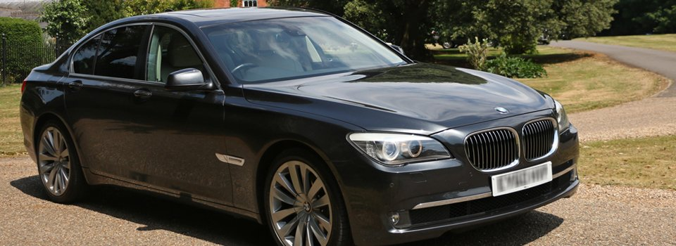 Experienced chauffeurs for hassle free travelling