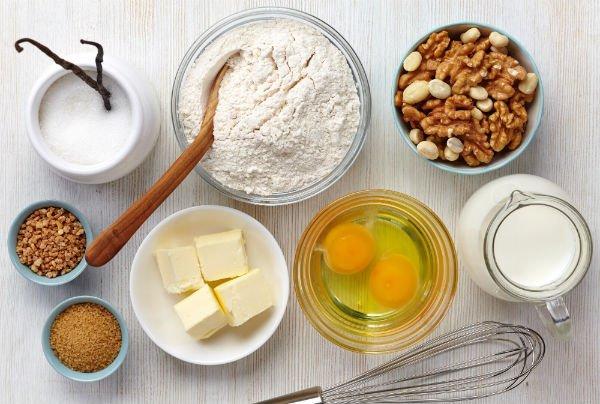 Ingrediente naturali,dell'uovo alla noce
