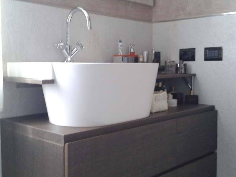Mobile bagno della Novello