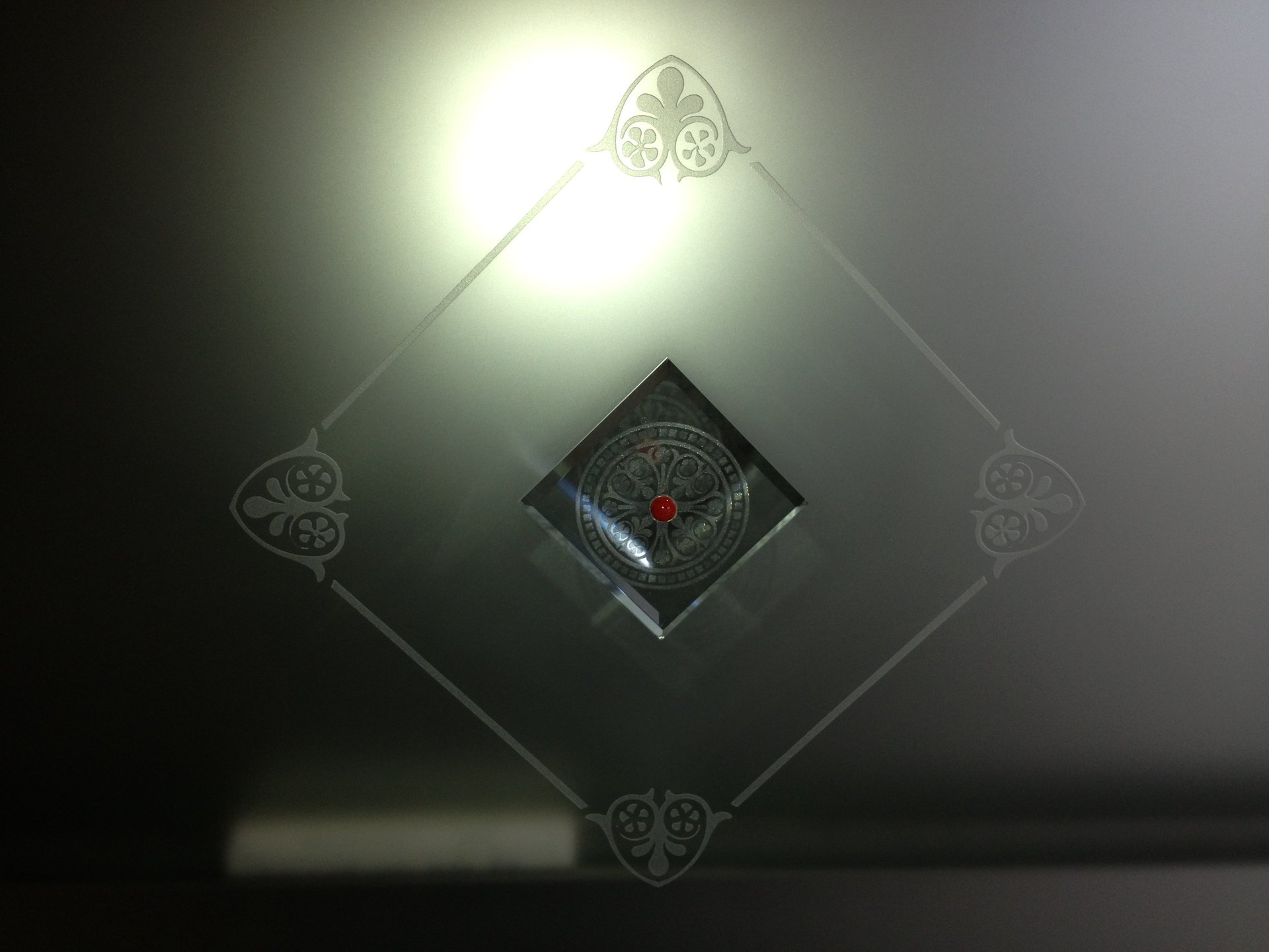 vetri antisfondamento, vetri infrangibili, arredi in vetro