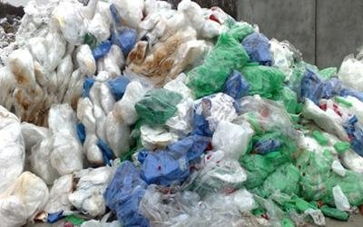 commercio rifiuti di plastica