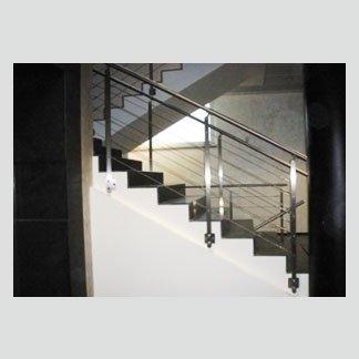 Realizzazione di scale in acciaio inox