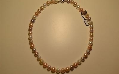 Collana in perle media dimensione