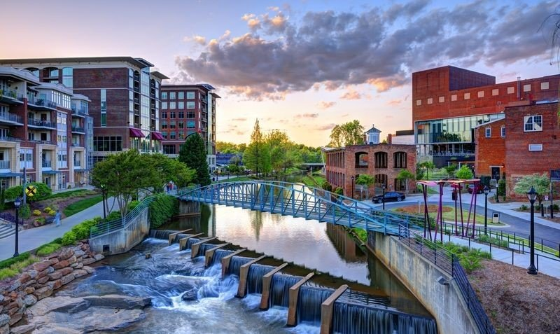 Hampton Inn and Suites Downtown Greenville RiverPlace