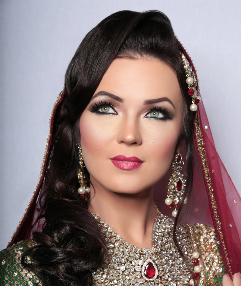 green eye Indian bride