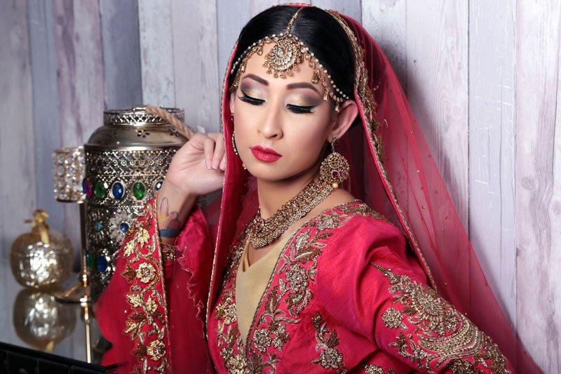 attractive Indian bride