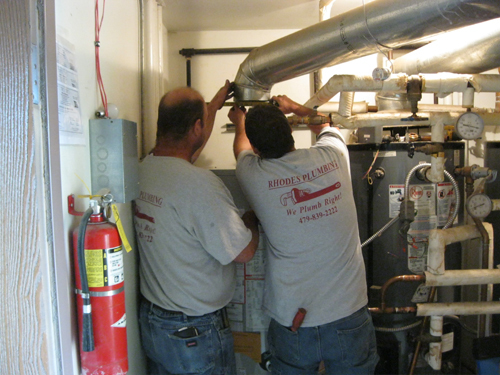 Professionals providing plumbing service in West Fork