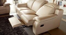 divani con seduta reclinabile