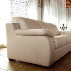 divano bianco classico