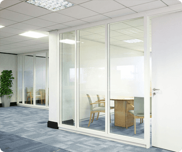 Meeting room, glass partitioning