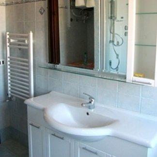 lavabo bagno con cassettiera