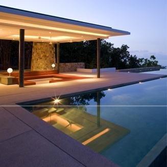 vista di una villa con piscina