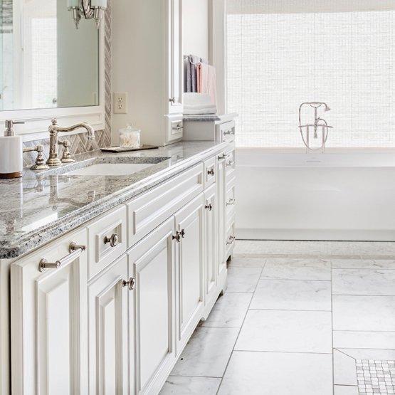 Kitchen Cabinets Bayport, NY