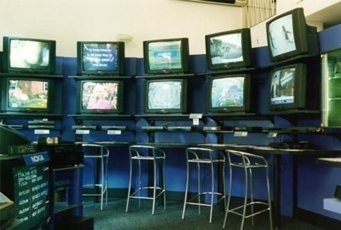 schermi con sedie da bar
