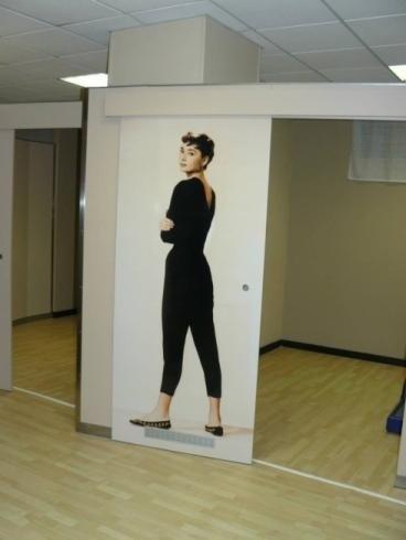poster con Audrey Hepburn