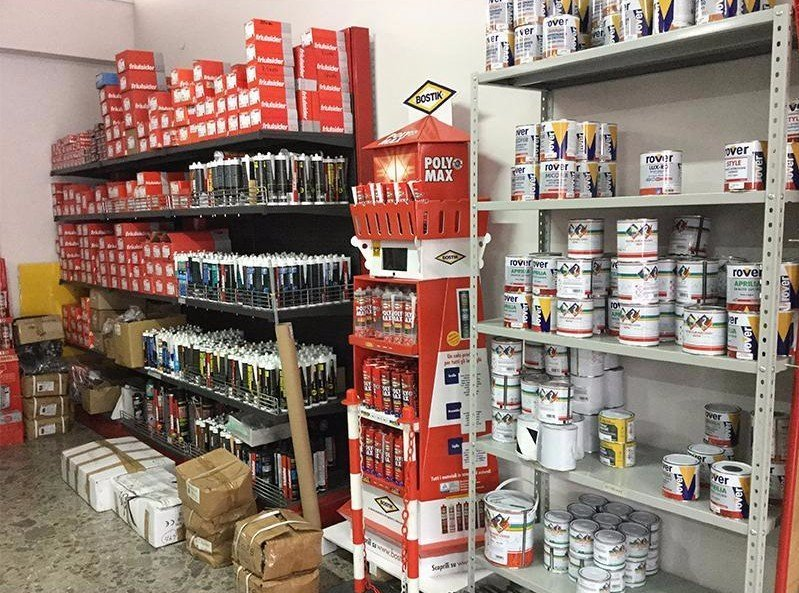 materiali in vendita della ferramenta
