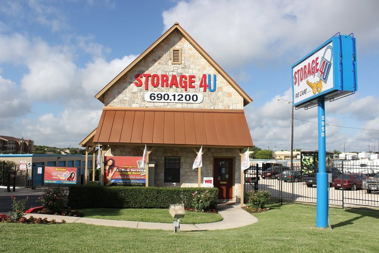 Storage 4U West in San Antonio, TX