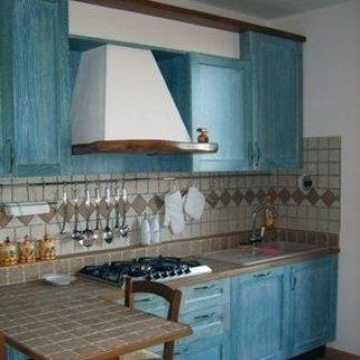 Cucina e tavolo con isola