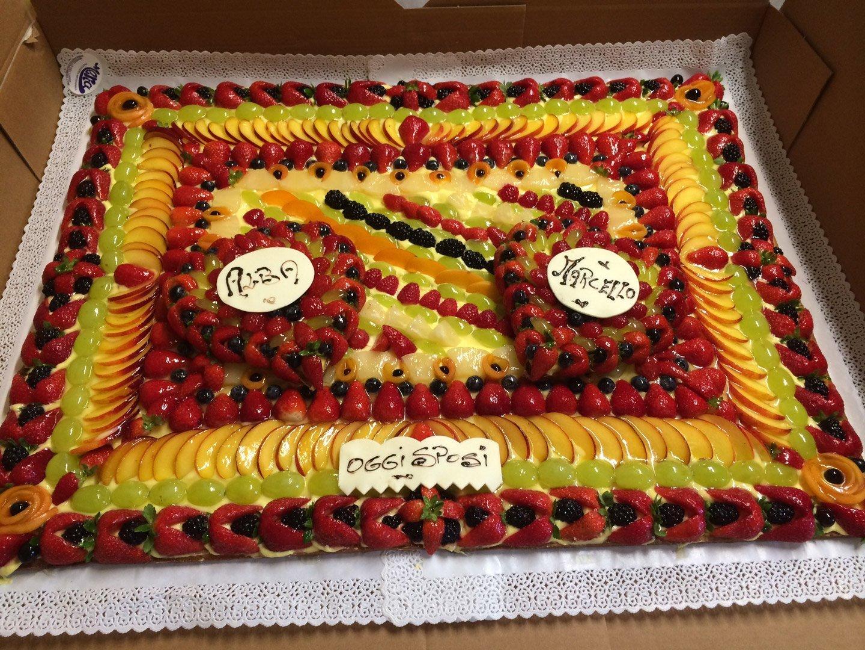 torta di matrimonio alla frutta
