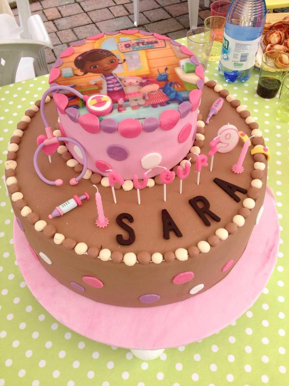torta di buon compleanno Sara