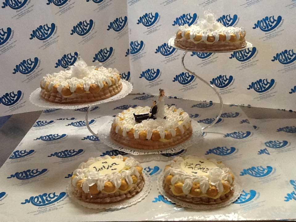 cinque torte per il matrimonio