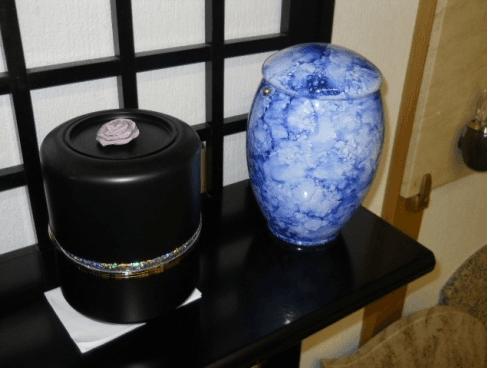 urne di vari materiali