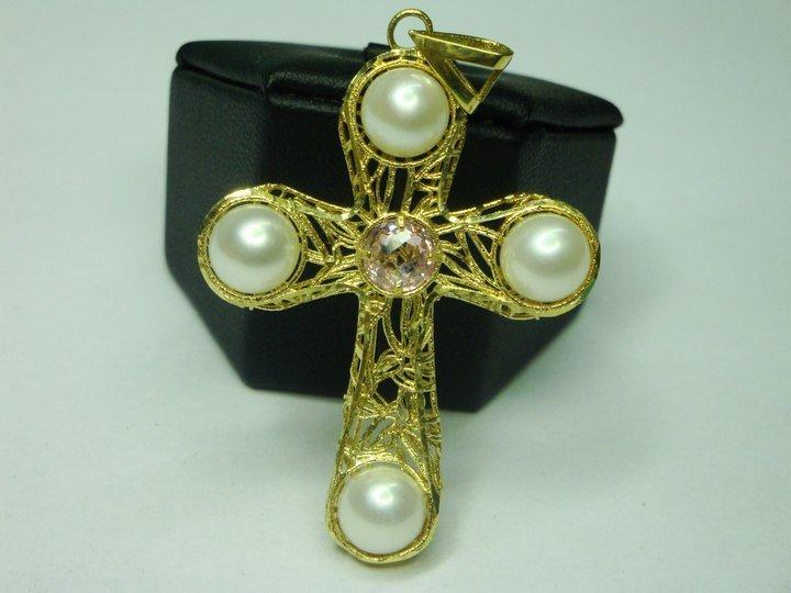 crocefisso in perle e oro